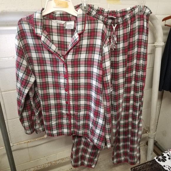 Delicates Other - Delicates Large Red Black White Plaid Pajama Set